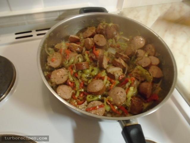 Λουκάνικα με πιπεριές και ρύζι - Βήμα 9