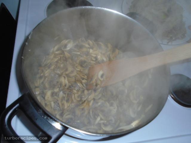 Μανιταρόπιτα με φύλλο σφολιάτας - Βήμα 12
