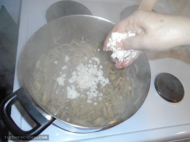 Μανιταρόπιτα με φύλλο σφολιάτας - Βήμα 15