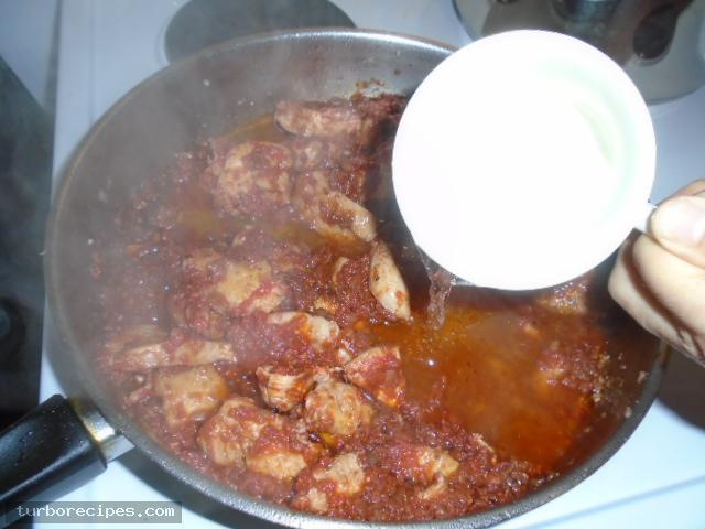 Κοκκινιστό στήθος κοτόπουλου με ταλιατέλες - Βήμα 18