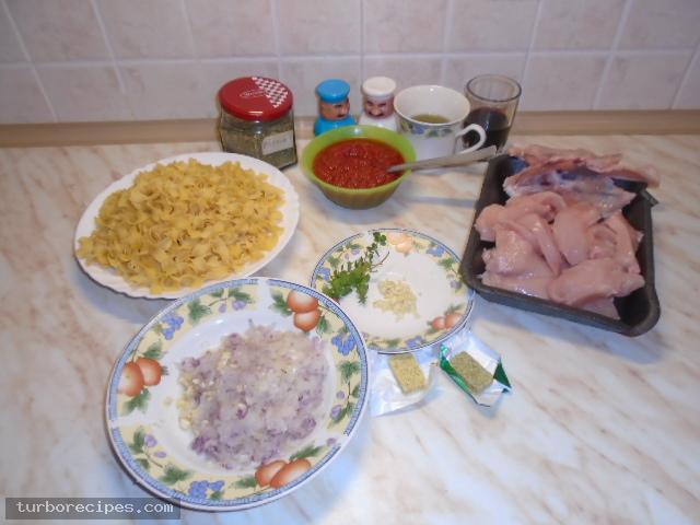 Κοκκινιστό στήθος κοτόπουλου με ταλιατέλες - Υλικά συνταγής