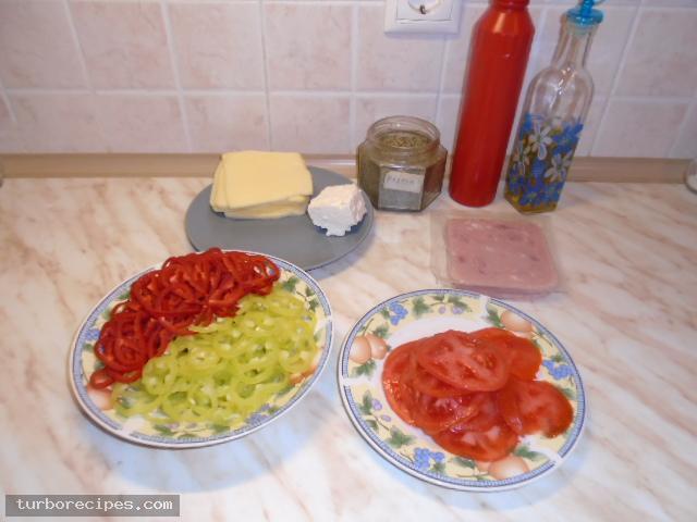 Χωριάτικη πίτσα - Υλικά συνταγής
