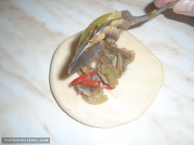 Νηστίσιμα μανιταροπιτάκια - Βήμα 16