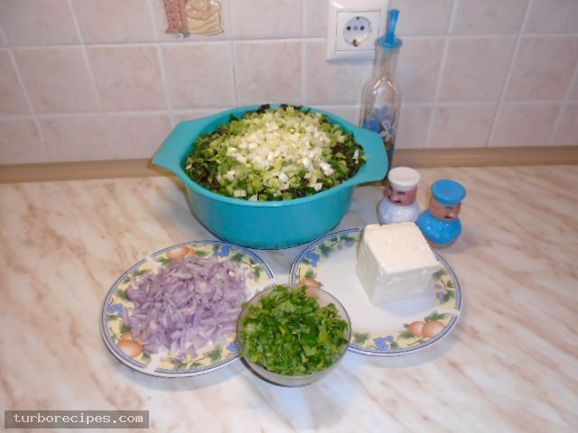 Στριφτή χορτόπιτα με χειροποίητο φύλλο - Υλικά συνταγής