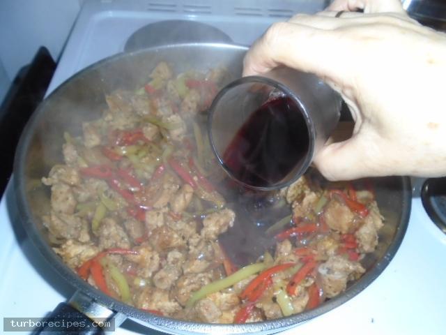 Σπιτικοί γύροι με χοιρινό κρέας - Βήμα 11