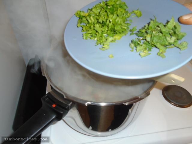 Αγκινάρες με λαχανικά - Βήμα 13