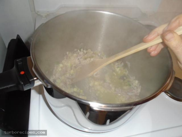 Αγκινάρες με λαχανικά - Βήμα 4