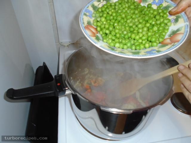 Αγκινάρες με λαχανικά - Βήμα 7