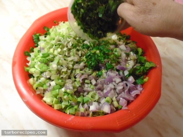 Παραδοσιακή χορτόπιτα - Βήμα 8