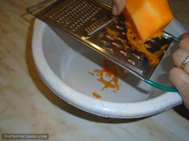 Παραδοσιακή κολοκυθόπιτα με αυγά - Βήμα 3