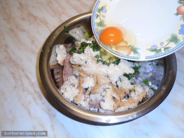 Μπιφτέκια γαλοπούλας γεμιστά με τυρί - Βήμα 13