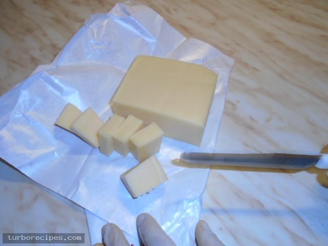 Μπιφτέκια γαλοπούλας γεμιστά με τυρί - Βήμα 2