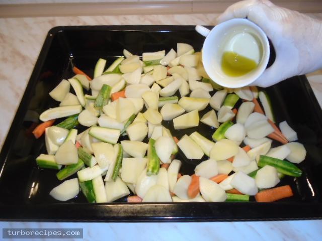 Μπιφτέκια γαλοπούλας γεμιστά με τυρί - Βήμα 4