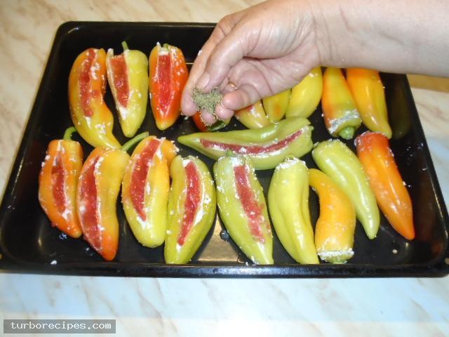Πιπεριές γεμιστές με τυρί - Βήμα 18