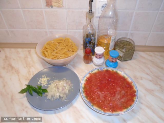 Πέννες με κόκκινη σάλτσα - Βήμα 1