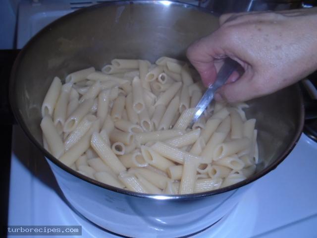 Πέννες με κόκκινη σάλτσα - Βήμα 22
