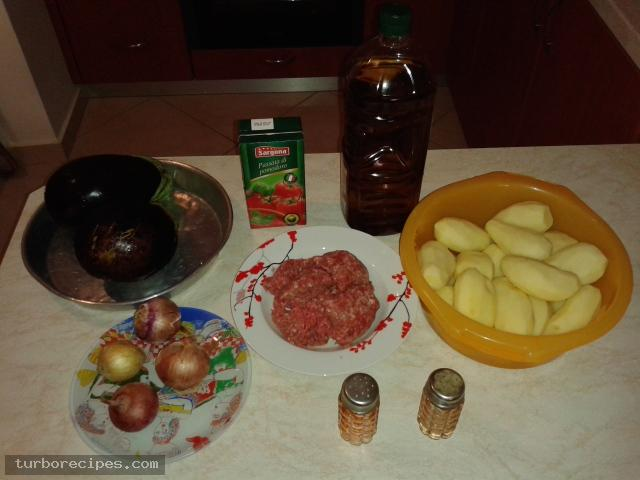 Ζουμερός μουσακάς - Υλικά συνταγής