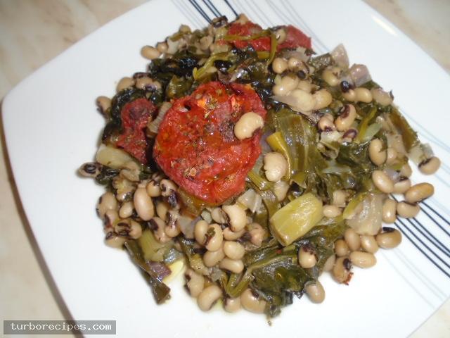 Μαυρομάτικα φασόλια με σπανάκι στο φούρνο