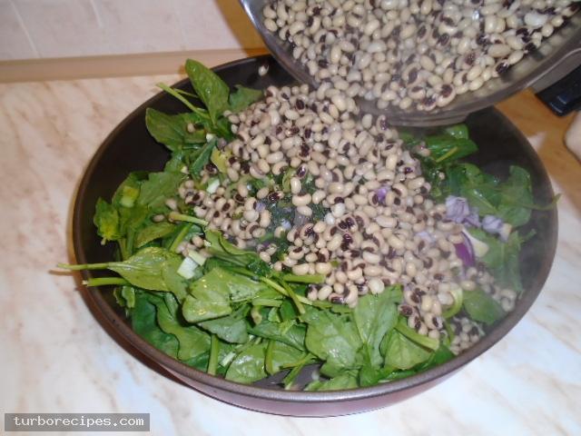 Μαυρομάτικα φασόλια με σπανάκι στο φούρνο - Βήμα 10