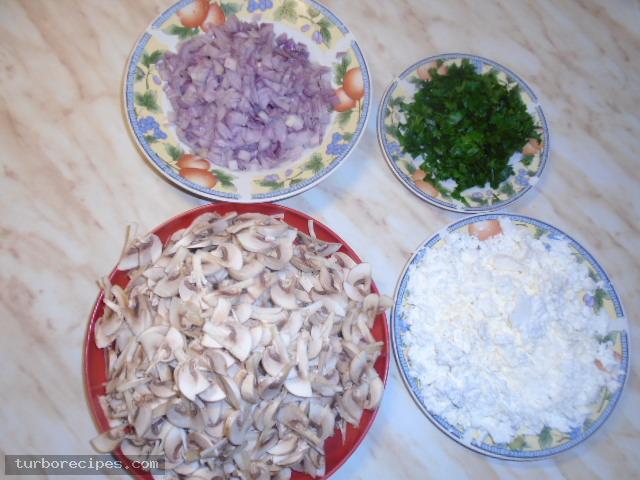 Μανιταρόπιτα χωρίς φύλλο - Βήμα 1