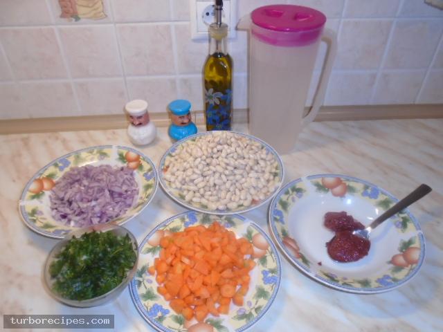 Κόκκινη φασολάδα - Υλικά συνταγής