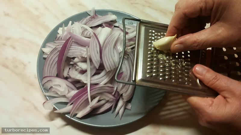 Λευκή σάλτσα με κρέμα γάλακτος - Βήμα 1