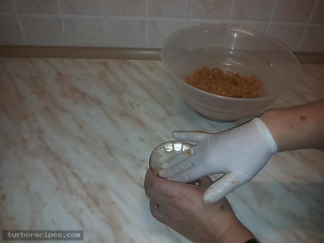 Κρέμα βανίλια με βύσσινο και μπισκοτένια βάση - Βήμα 6