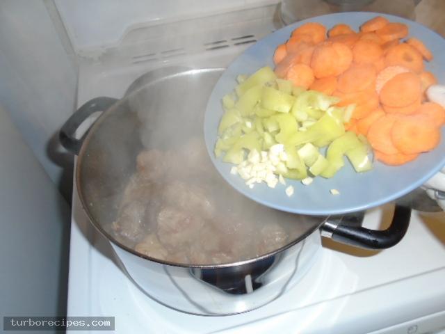 Γιουβέτσι με χοιρινό και κριθαράκι - Βήμα 10