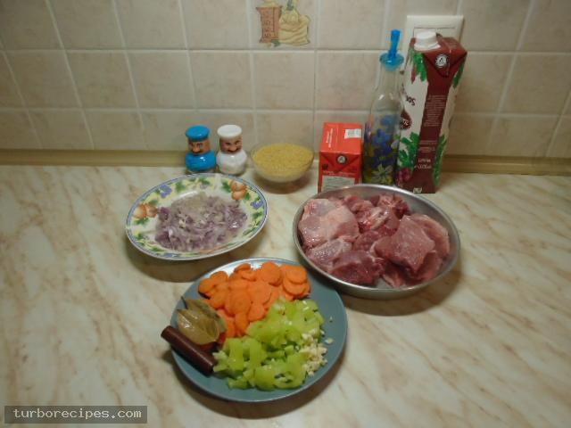 Γιουβέτσι με χοιρινό και κριθαράκι - Υλικά συνταγής