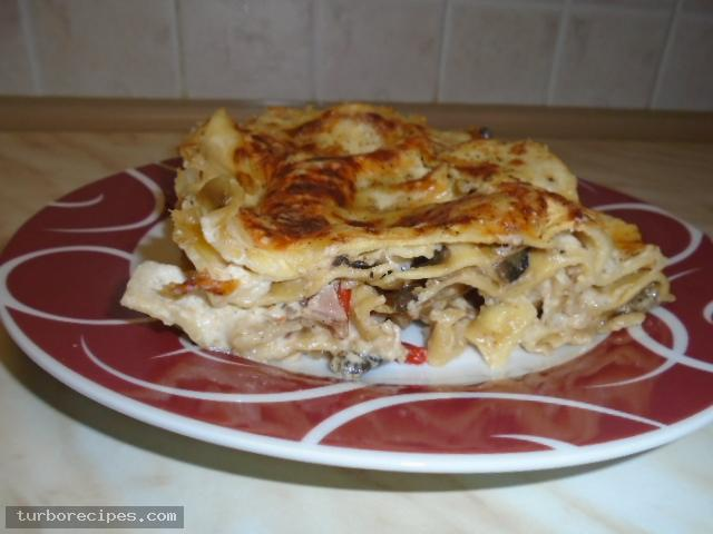 Λαζάνια με μανιτάρια και λευκή κρέμα