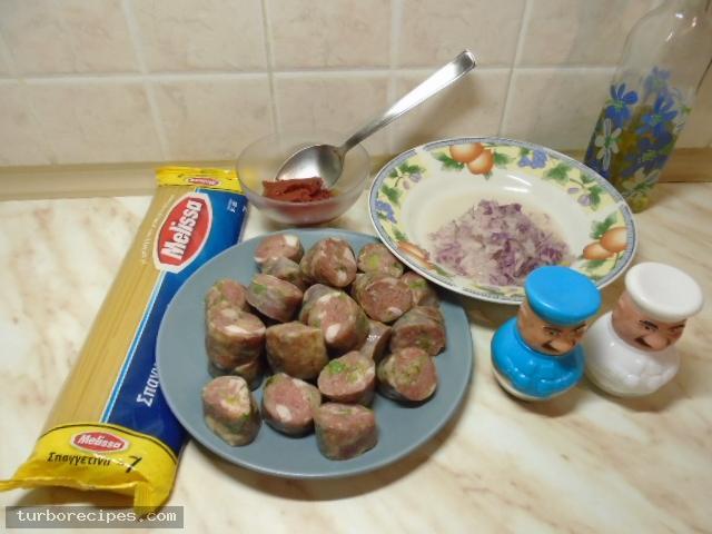 Χωριάτικο λουκάνικο με μακαρόνια - Υλικά συνταγής