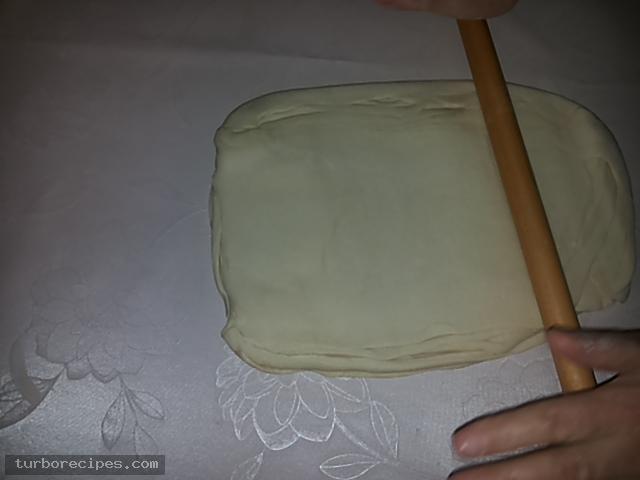 Υπέροχη τυρόπιτα με χειροποίητο φύλλο - Βήμα 23